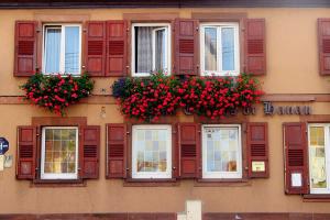 03_Im_wirtschaftlichen_Zentrum_vom_Hanauer_Land_-_Das_Hotel_Grafen_zu_Hanau_in_Ingweiler_(Ingwiller)