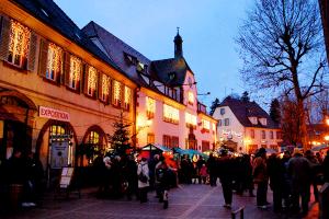 18_Buchsweiler_(Bouxwiller)_-_Weihnachtsmarkt