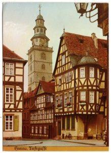 4_Tiefe_Gasse_mit_Alter_Johanneskirche
